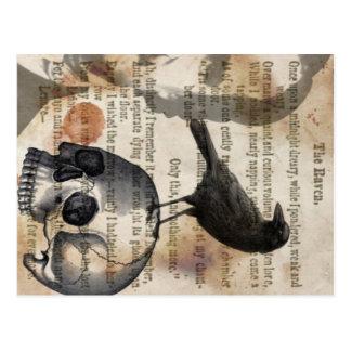 Edgar Allan Poe el cráneo y el pájaro del cuervo Postal