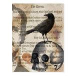 Edgar Allan Poe el cráneo y el pájaro del cuervo Tarjetas Postales