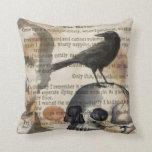 Edgar Allan Poe la almohada del cuervo y del