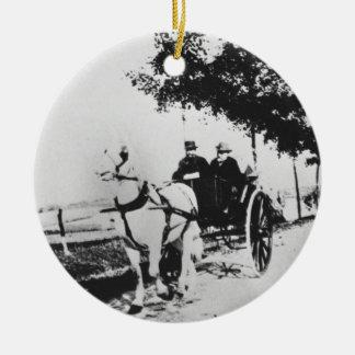 Edgar Degas (1834-1917) y un amigo en el countr Adorno Navideño Redondo De Cerámica