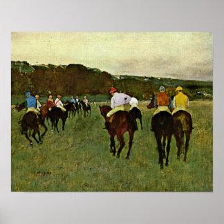 Edgar Degas - caballos de carreras en Longchamp Póster