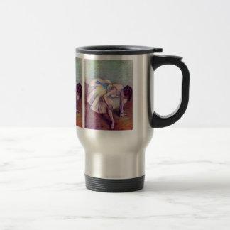 Edgar Degas - Dancer bent over Mugs