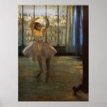 Edgar Degas Danseuse posant chez un photographe Posters