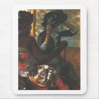 Edgar Degas - en el gorra de la mujer de la Mousepads