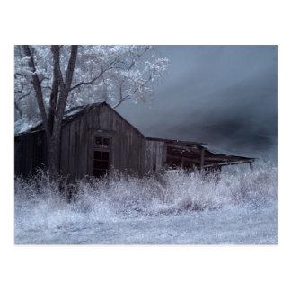 Edificio abandonado postales
