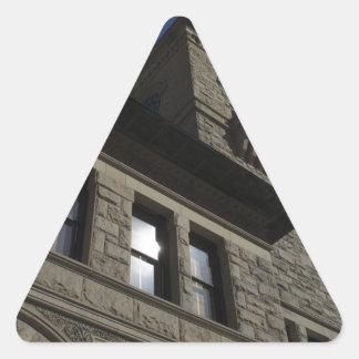 Edificio con la torre de reloj, San Jose céntrico Pegatina Triangular
