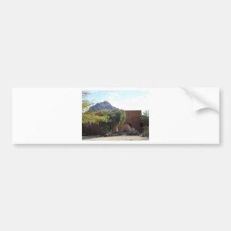 Edificio de Adobe con los árboles Pegatina De Parachoque
