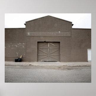 Edificio de almacenamiento, Marfa, el condado de P Poster
