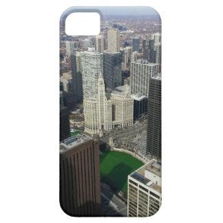 Edificio de Chicago Wrigley el día del St. Patty iPhone 5 Fundas