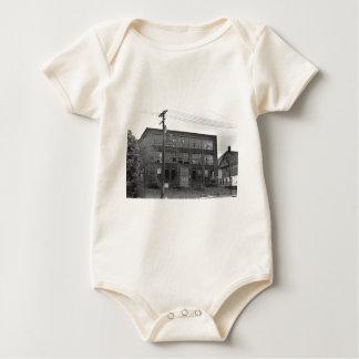 Edificio de fabricación abandonado body para bebé