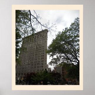Edificio de Flatiron de la lona cuadrada del parqu Poster