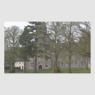 Edificio de la abadía del St Benedicto en la Rectangular Altavoces