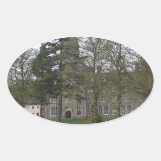 Edificio de la abadía del St Benedicto en la Pegatinas Oval Personalizadas
