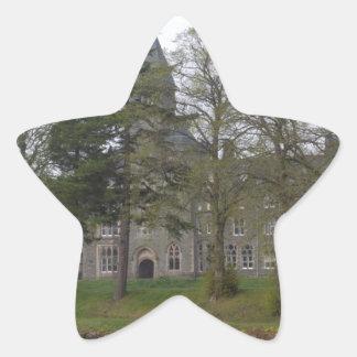 Edificio de la abadía del St Benedicto en la Colcomanias Forma De Estrellaes Personalizadas