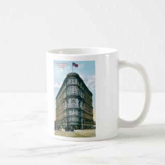 Edificio de la inundación taza de café