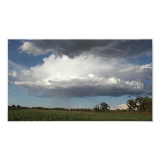 Edificio de la tempestad de truenos en el condado  fotografías
