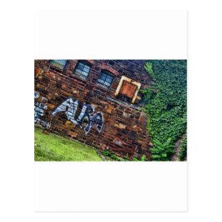 Edificio de piedra abandonado del Grunge de la Postales