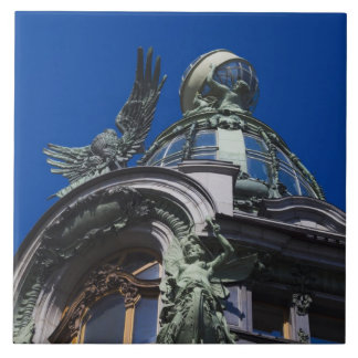 Edificio del cantante, detalle azulejo cuadrado grande