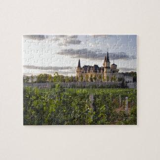 Edificio del lagar visto del viñedo en puzzle