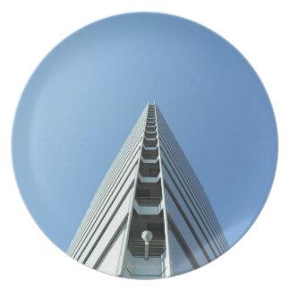 Edificio en Japón Plato De Comida