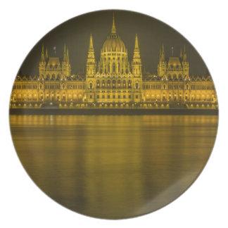 Edificio húngaro del parlamento de Budapest Platos