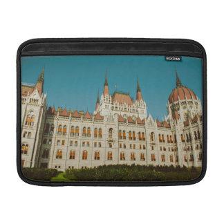 Edificio húngaro del parlamento funda  MacBook