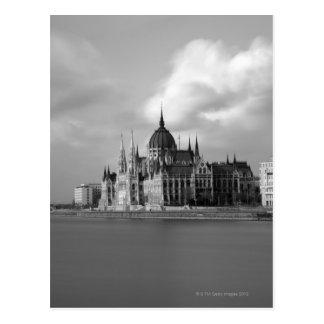 Edificio húngaro del parlamento tarjeta postal