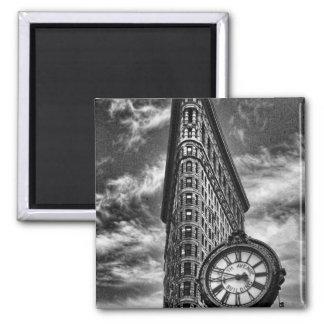 Edificio y reloj de Flatiron en blanco y negro Imán Cuadrado