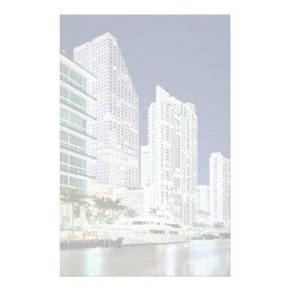 Edificios a lo largo del río Riverwalk de Miami Papeleria Personalizada