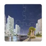 Edificios a lo largo del río Riverwalk de Miami Posavasos De Puzzle