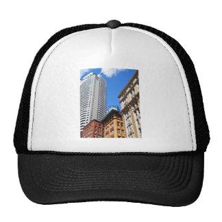 Edificios altos gorras de camionero