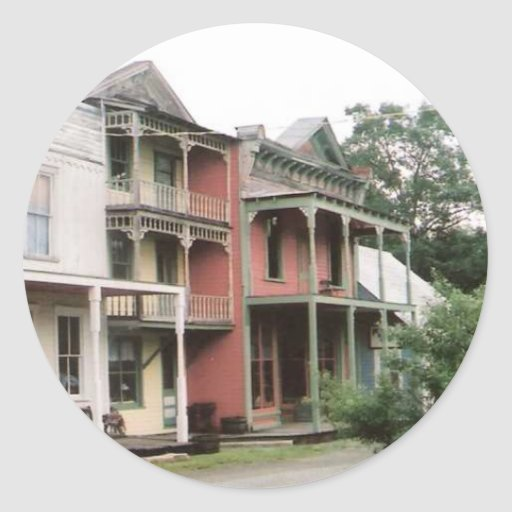 Edificios coloridos del pueblo fantasma pegatina