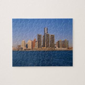 Edificios de Detroit en el agua Puzzles Con Fotos