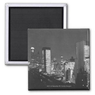Edificios de la ciudad en la noche B&W, visión ele Imán Cuadrado