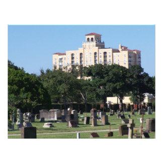 Edificios de los árboles n de West Palm Beach la F Flyer A Todo Color