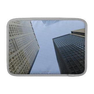 Edificios de oficinas en Lower Manhattan Fundas MacBook