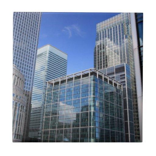 Edificios de oficinas modernos azulejo ceramica