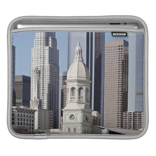 Edificios del rascacielos de Los Ángeles en el med Fundas Para iPads