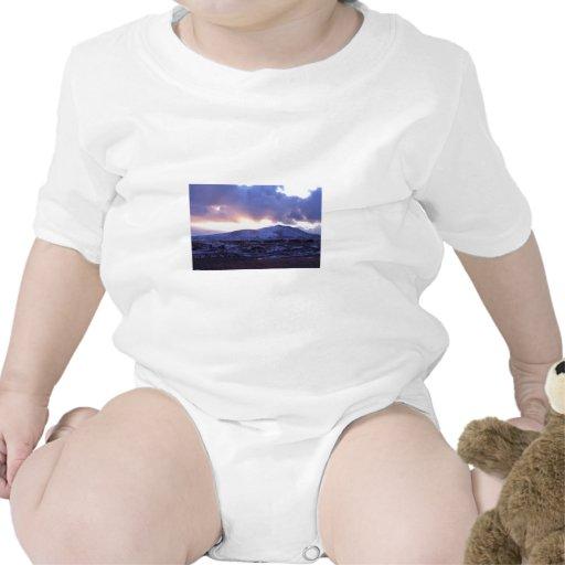 Edificios fríos de la bahía trajes de bebé
