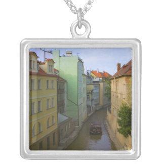 Edificios históricos con el canal, Praga, checa Colgante Cuadrado