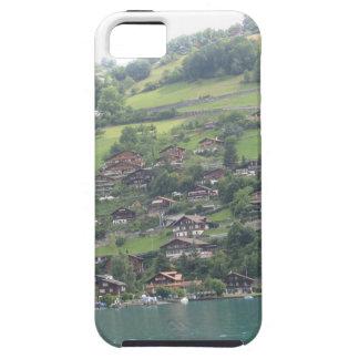 Edificios y verdor en la orilla del lago Thun iPhone 5 Case-Mate Cárcasas