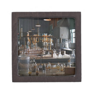 Edisons Workshop Premium Keepsake Box