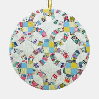 Edredón de remiendo colorido adorno navideño redondo de cerámica