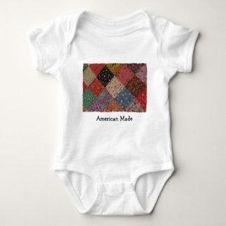 Edredón de remiendo hecho americano patriótico body para bebé