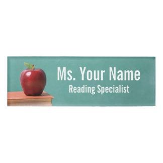 Educador de encargo y etiqueta conocida del papel etiqueta con nombre