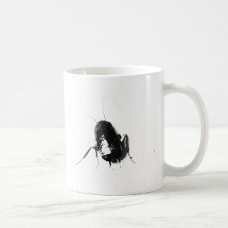¡EEEK! ¡Hay una cucaracha! Tazas De Café