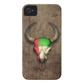 Efecto de madera del cráneo de Bull de la bandera  iPhone 4 Case-Mate Coberturas