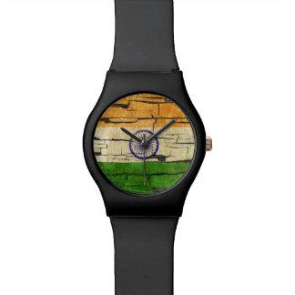Efecto indio agrietado de la pintura de la reloj de mano