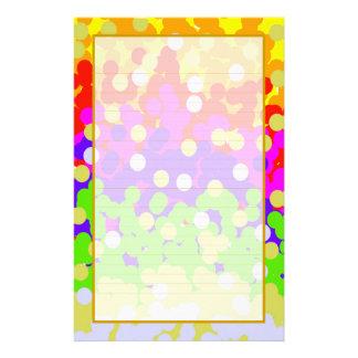 Efectos de escritorio alineados multa colorida del personalized stationery