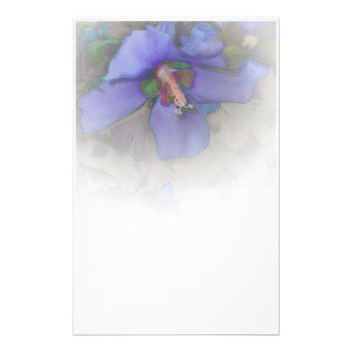 Efectos de escritorio azules del hibisco de la lav papelería